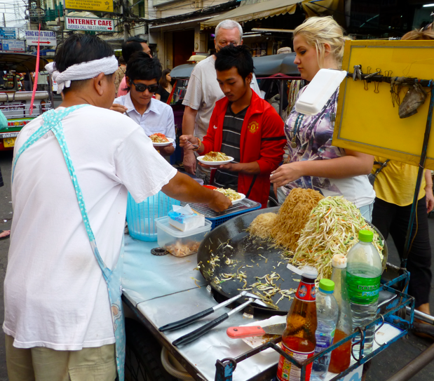 thai street vendor pad thai thai food